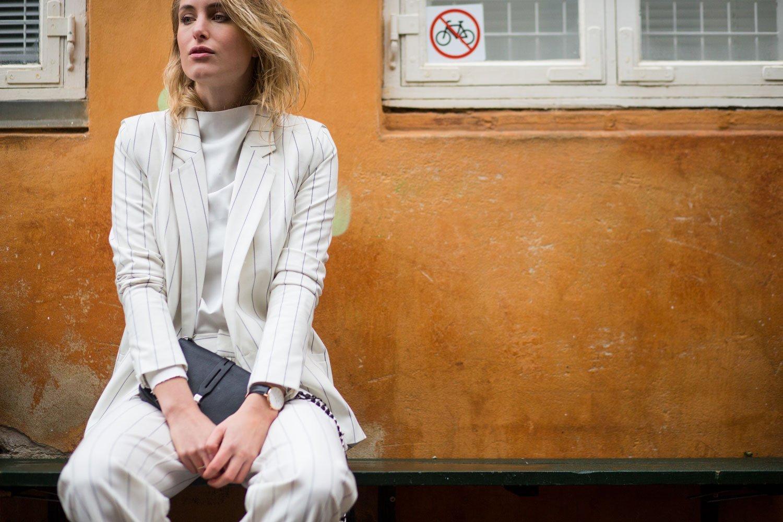 gestuz white suit