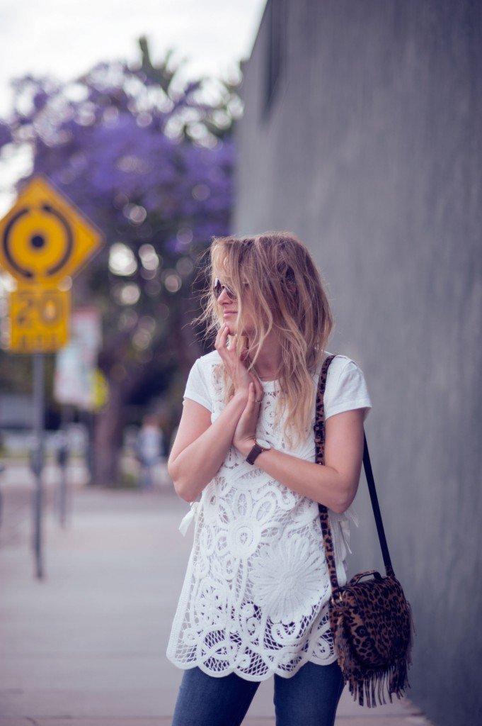 flared jeans fashion blogger