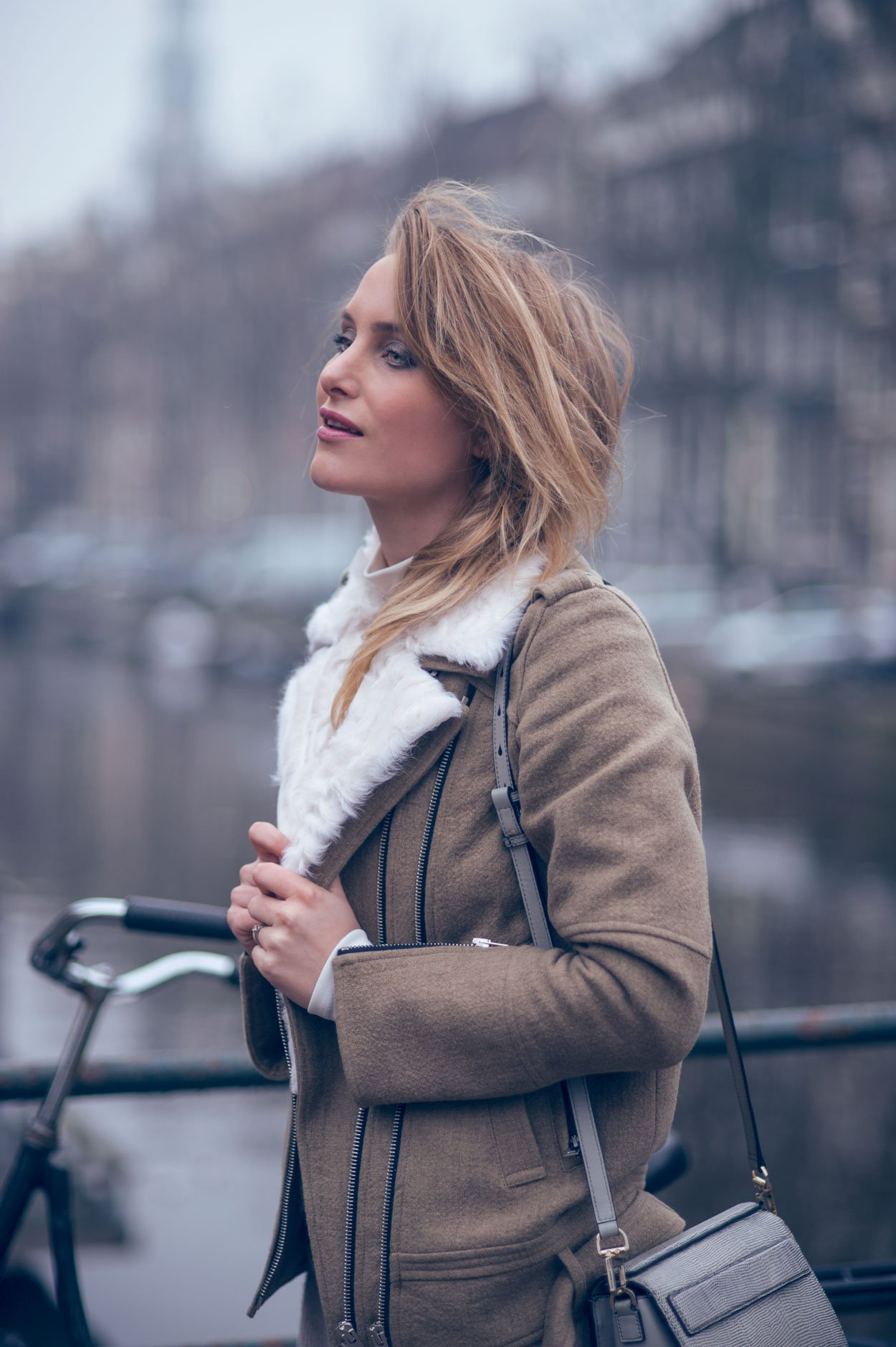 fashion blogger amsterdam shearling jacket