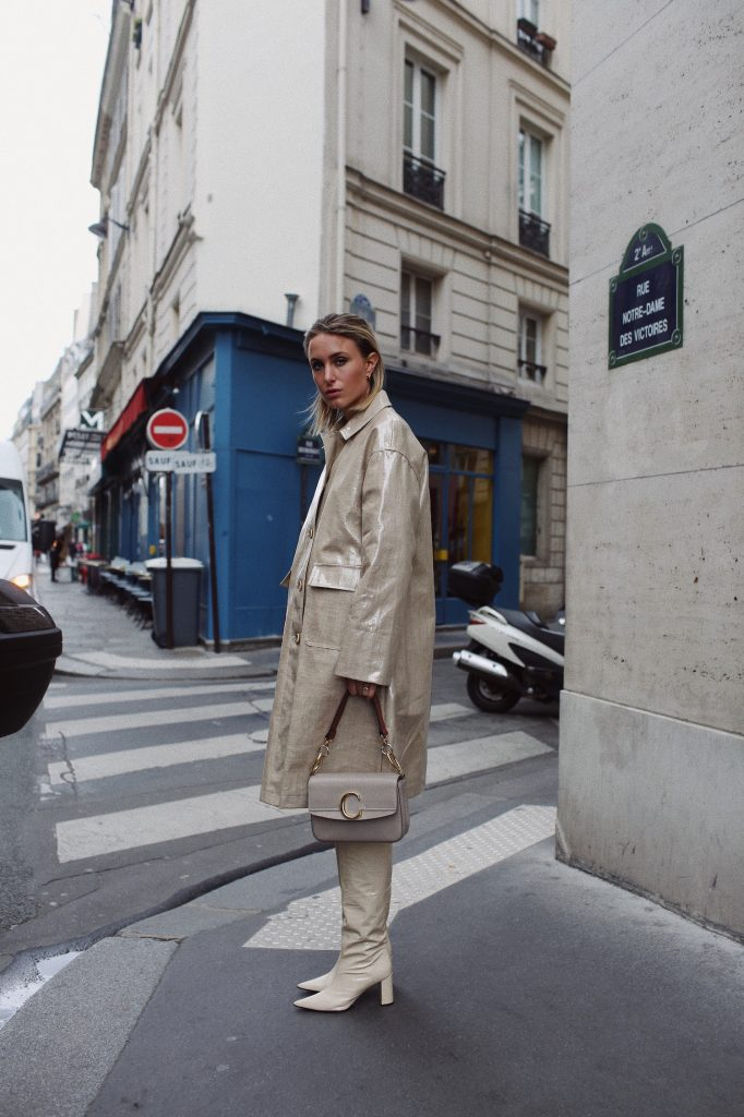 BEIGE COAT STAND PARIS